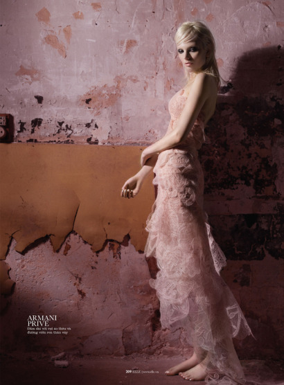 Chrystal-Copland-in-Dark-Couture-by-Benjamin-Kanarek-for-ELLE-Vietnam---05